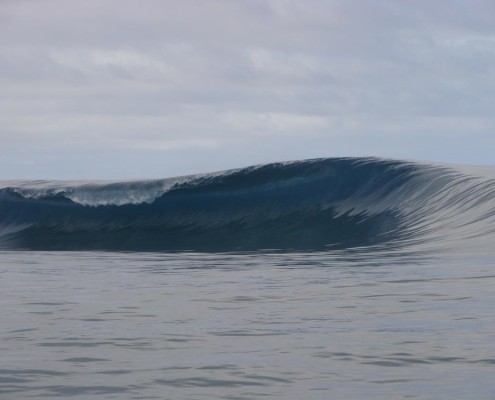 Surfing Fiji Pipe Sucky